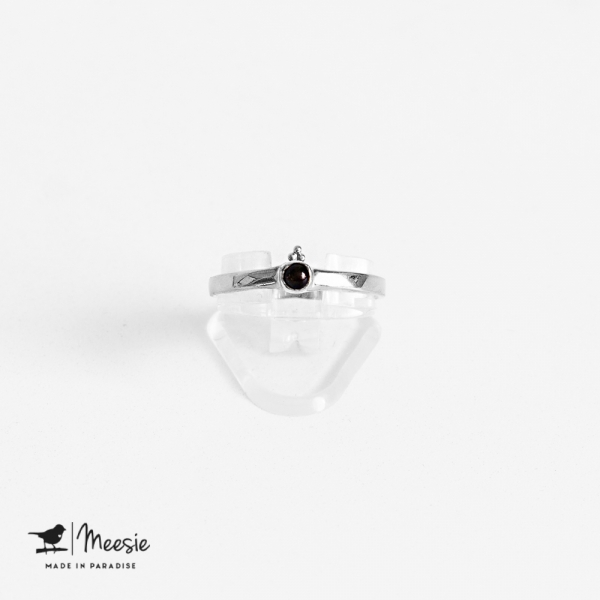 Ring dot Onyx edelsteen zilver