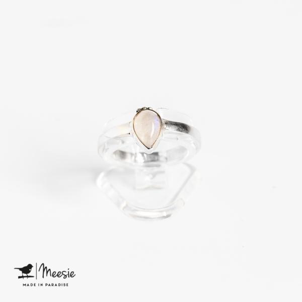 Ring druppel Maansteen edelsteen zilver