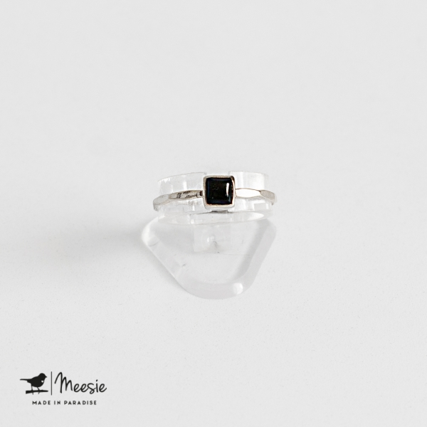 Ring vierkante Onyx edelsteen zilver